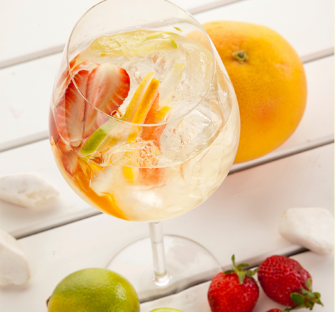 Simple Savvy Sangria – A recipe as easy and delicious as our listing process!